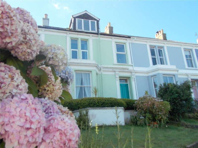 2 Bedrooms Flat for sale in Bar Terrace, Falmouth, Cornwall