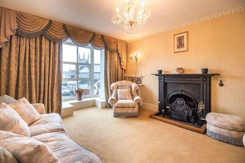 4 Bedrooms House for sale in Castle Street, Mere