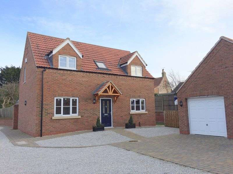 3 Bedrooms Detached House for sale in The Chase, Reepham, Lincoln