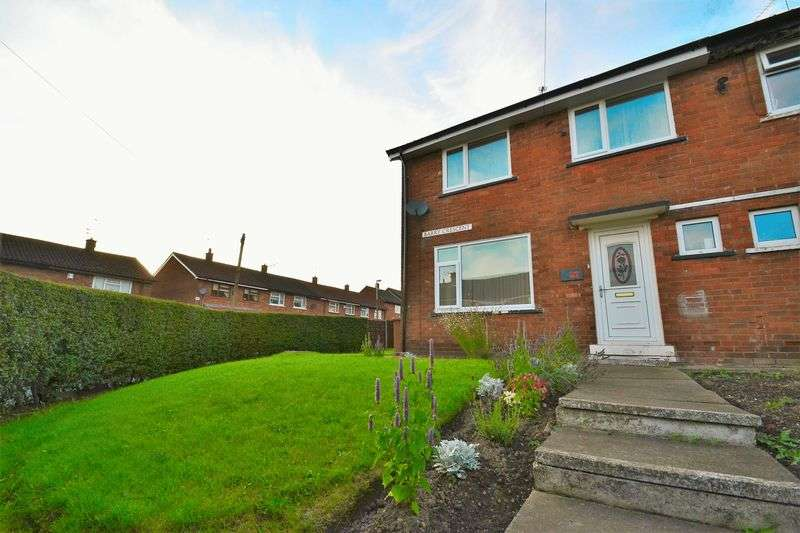 3 Bedrooms Semi Detached House for sale in Barry Crescent, Walkden