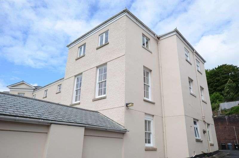 2 Bedrooms Flat for sale in Bannawell Street, Tavistock