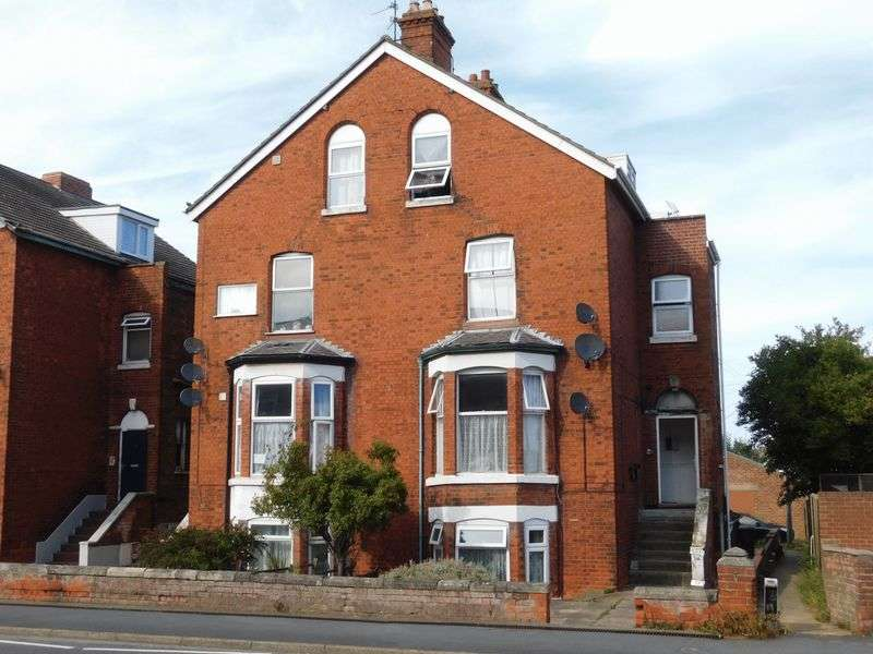 4 Bedrooms Flat for sale in 14 Wainfleet Road, Skegness, Lincs, PE25 3QP