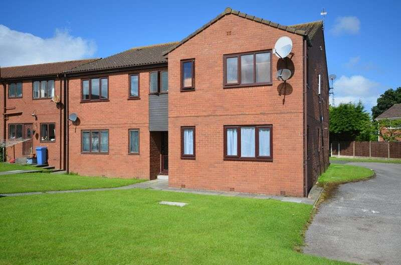 1 Bedroom Flat for sale in 36 The Conifers, Hambleton, Poulton-Le-Fylde, Lancs FY6 9EP