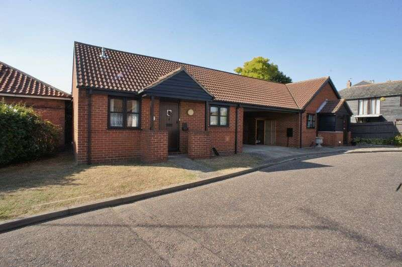 2 Bedrooms Semi Detached Bungalow for sale in Springfields, Brightlingsea