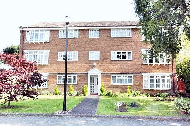 2 Bedrooms Flat for sale in Pinewood, Broad Road, Sale