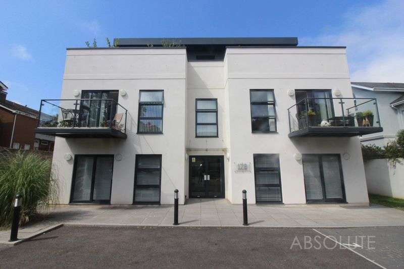 2 Bedrooms Flat for sale in 178 St Marychurch Road , Torquay