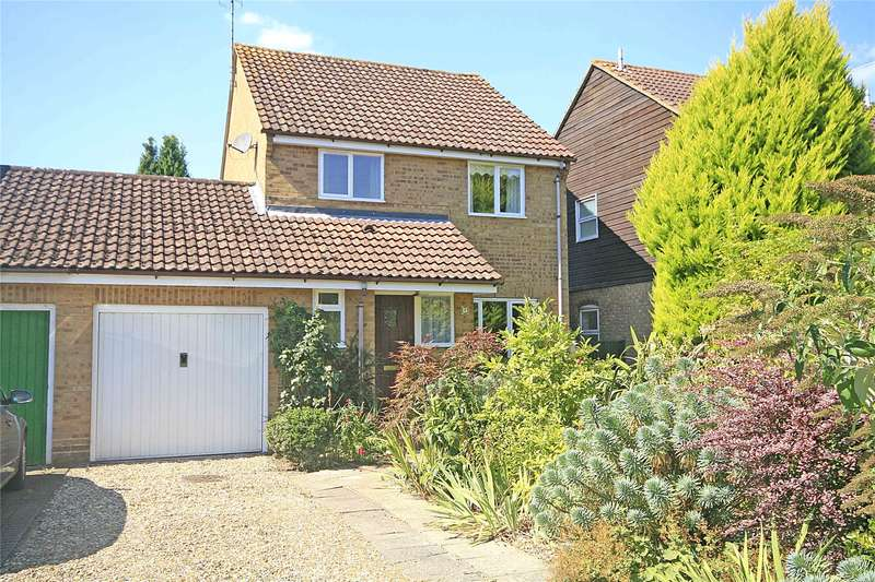3 Bedrooms Detached House for sale in Viscount Gardens, West Byfleet, Surrey, KT14