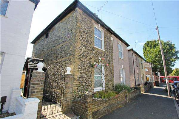 2 Bedrooms Semi Detached House for sale in Napier Road, South Croydon