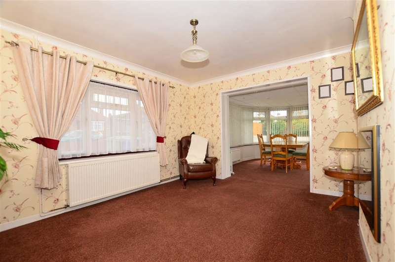 4 Bedrooms Bungalow for sale in Seathorpe Avenue, Minster On Sea, Sheerness, Kent