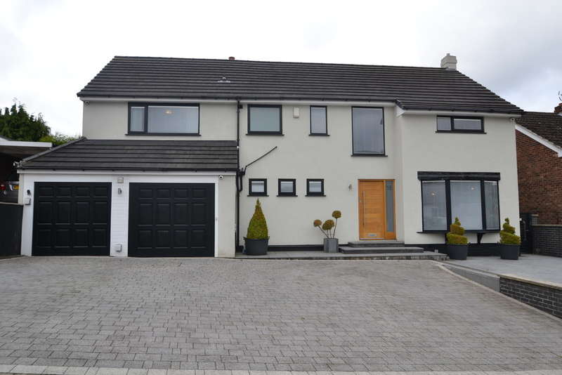 5 Bedrooms Detached House for sale in Kendal Drive, Gatley
