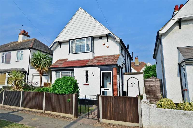3 Bedrooms Detached House for sale in Pier Avenue, Herne Bay, Kent