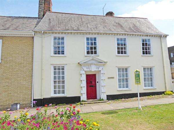 3 Bedrooms Semi Detached House for sale in Crown Street, BURY ST. EDMUNDS IP33 1QU