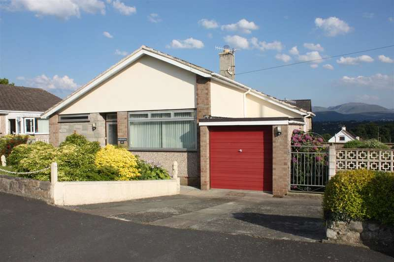 3 Bedrooms Bungalow for sale in Maes Yr Hafod, Menai Bridge