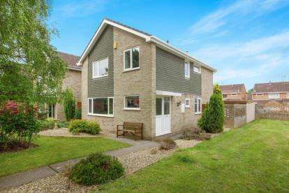 4 Bedrooms Detached House for sale in Queens Walk, Thornbury, Bristol, Gloucestershire