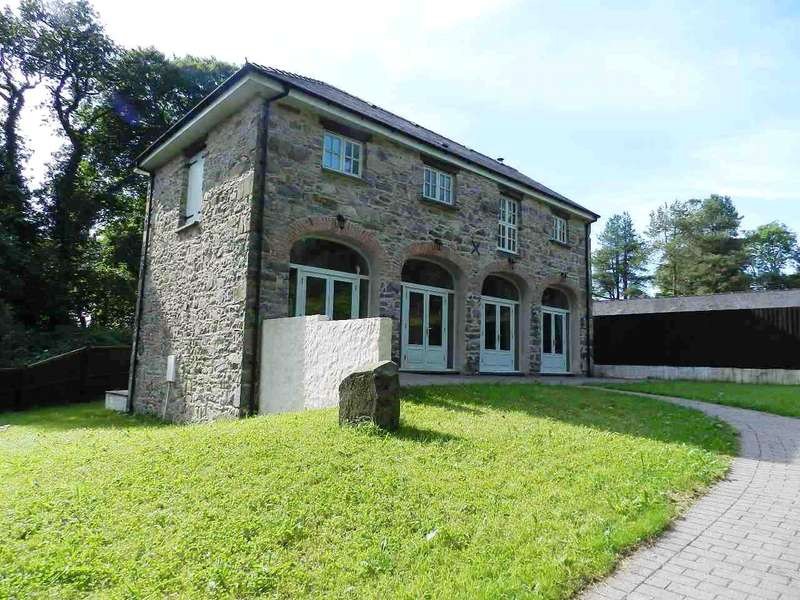 4 Bedrooms Detached House for sale in The Old Coach House, Trecwn, Haverfordwest, Pembrokeshire
