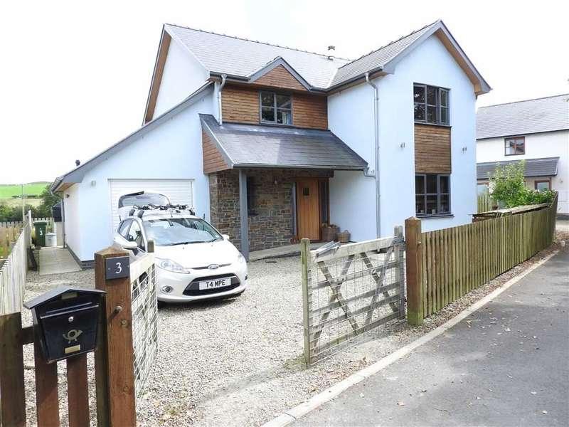 4 Bedrooms Property for sale in Clos Y Dderwen, Blaenplwyf