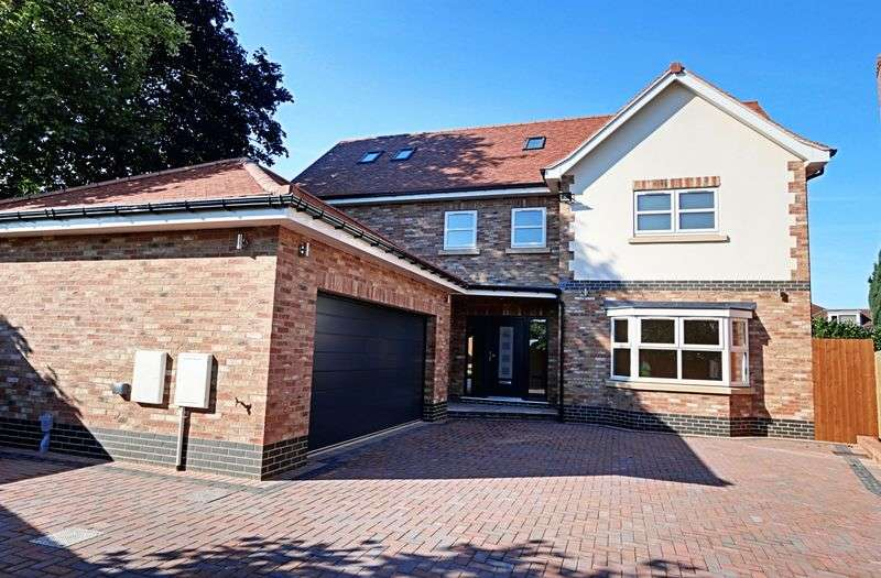 5 Bedrooms Detached House for sale in Jameson Keep, Hessle