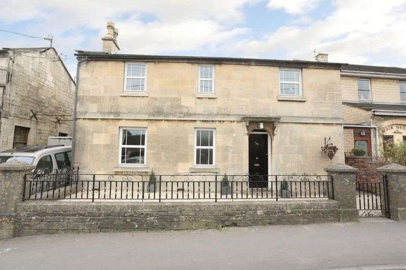 4 Bedrooms Detached House for sale in Pickwick Road, Corsham
