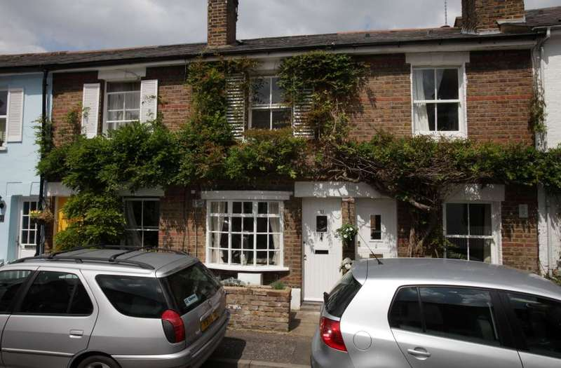 2 Bedrooms Cottage House for sale in York Road, Richmond TW10
