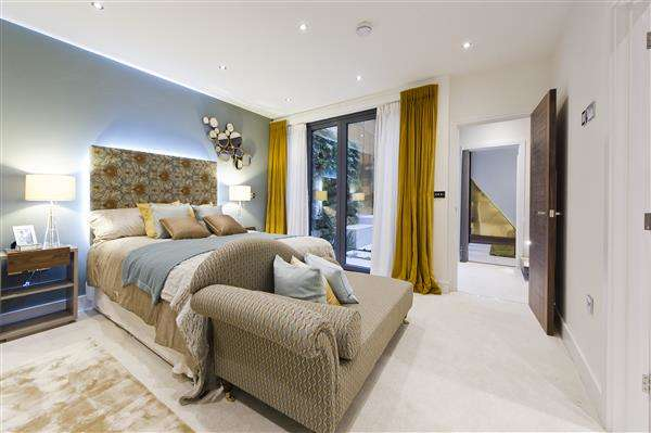 4 Bedrooms House for sale in Townhouse Mews, 142 Goldhawk Road, London