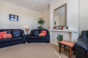 2 Bedrooms Maisonette Flat for sale in Morland Road, Croydon