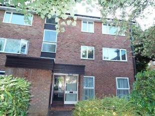 2 Bedrooms Flat for sale in Inglewood, Pixton Way, Croydon