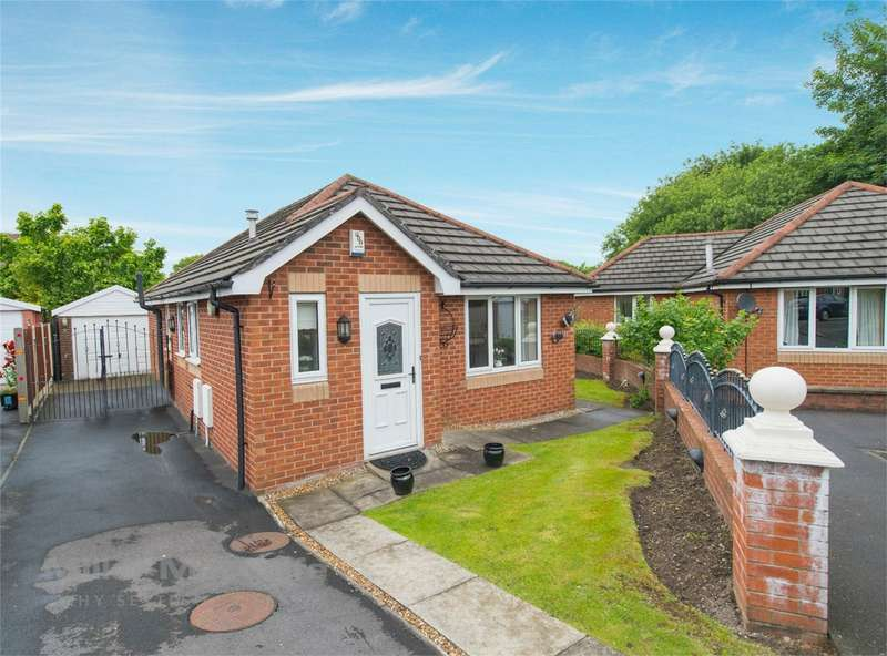 3 Bedrooms Detached Bungalow for sale in Whiston Drive, The Haulgh, Bolton, Lancashire