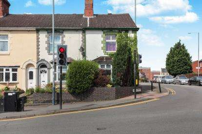 3 Bedrooms End Of Terrace House for sale in Lawford Road, Rugby, Warwickshire, .