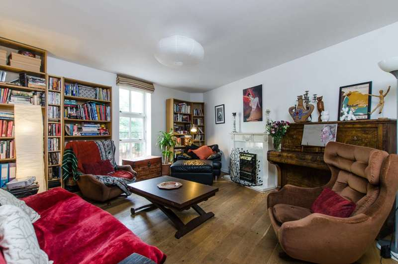 3 Bedrooms Flat for sale in Clapham Park Road, Clapham, SW4