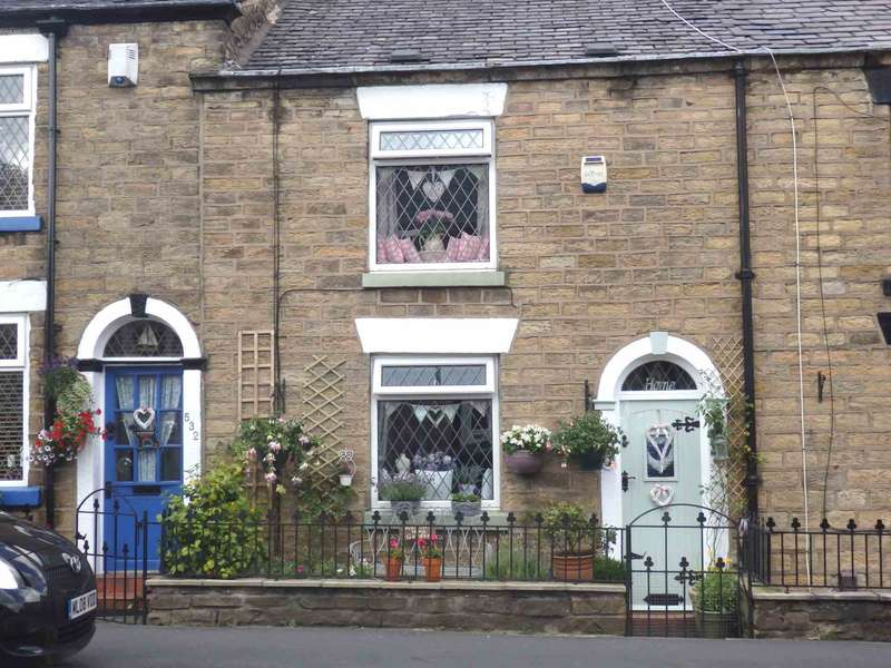 2 Bedrooms Cottage House for sale in Halliwell Road, Halliwell