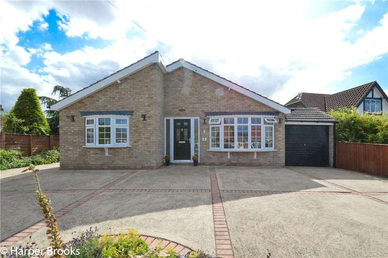 3 Bedrooms Detached Bungalow for sale in Church Lane, Stallingborough, Grimsby, DN41