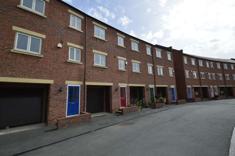 4 Bedrooms Terraced House for sale in St Julians Crescent, Shrewsbury