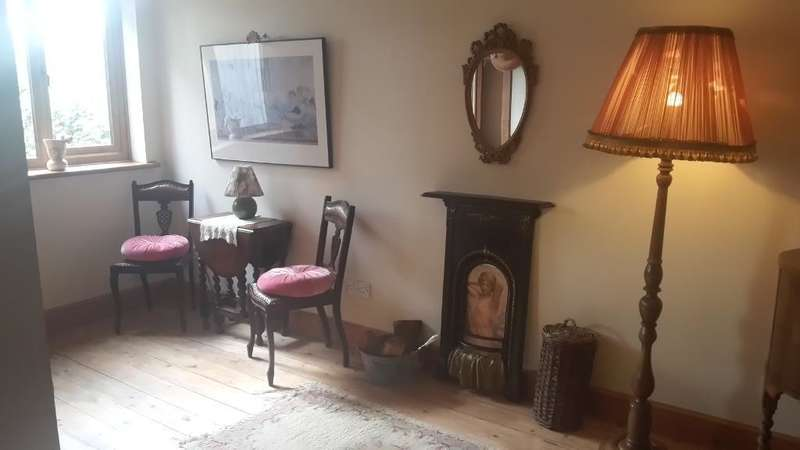 1 Bedroom End Of Terrace House for sale in Temple Close, Upper Leytonstone, LONDON, E11 1JN