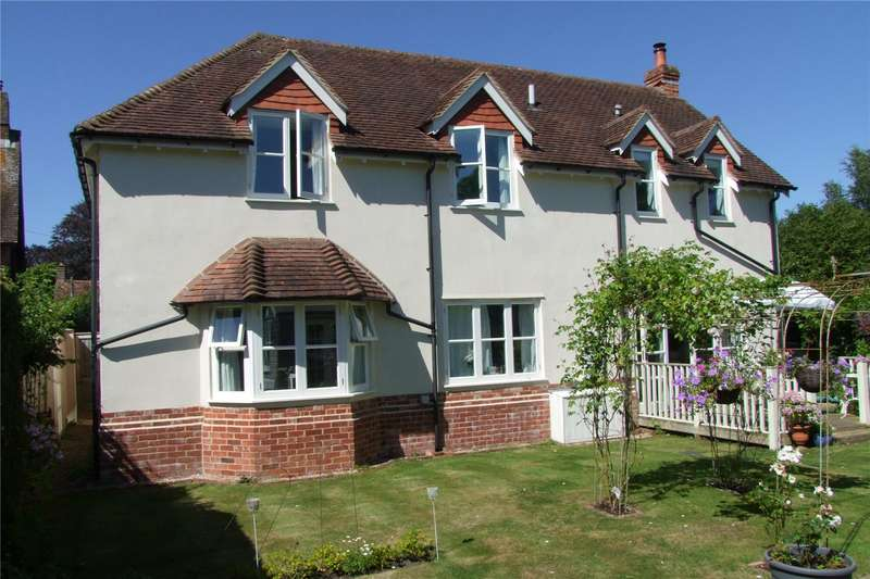 3 Bedrooms Detached House for sale in Queens Street, Stedham, Midhurst, West Sussex, GU29