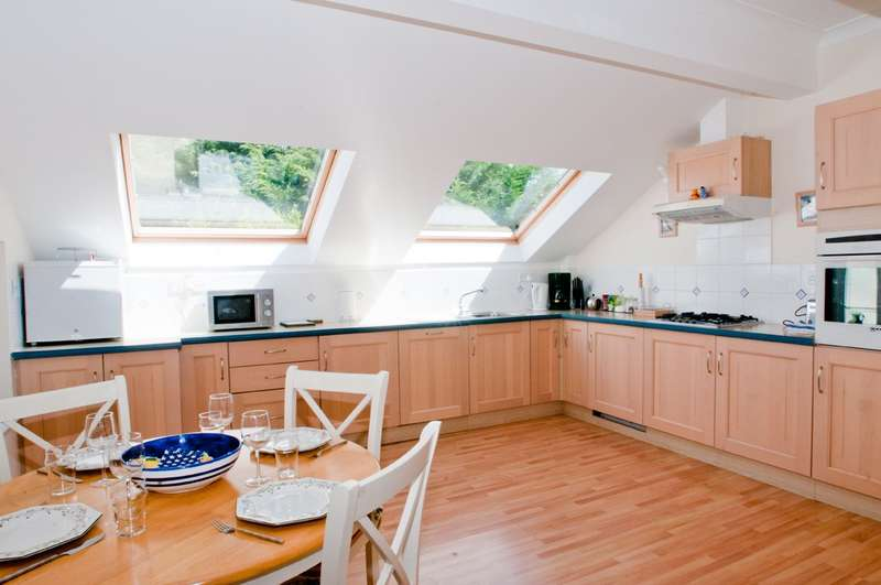 2 Bedrooms Terraced House for sale in 19 The Bolt Head, Salcombe
