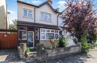 3 Bedrooms House for sale in Greenwood Road, Croydon
