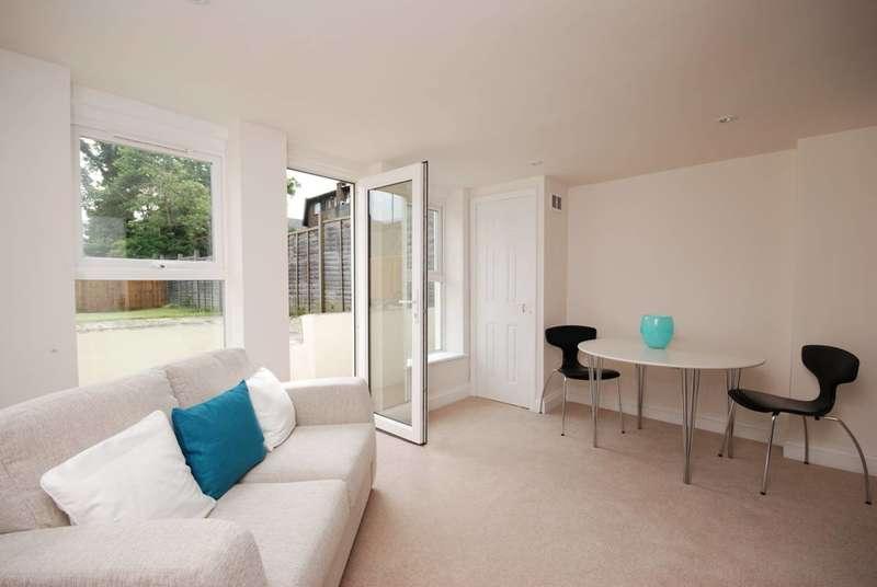 1 Bedroom Flat for sale in Norwood Road, West Norwood, SE27