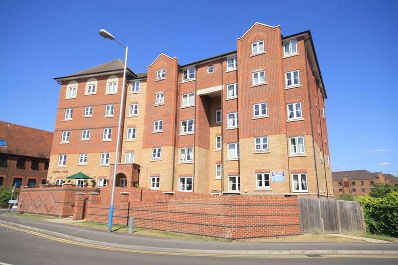 1 Bedroom Retirement Property for sale in Holmes Court, Tonbridge, TN9 1GS