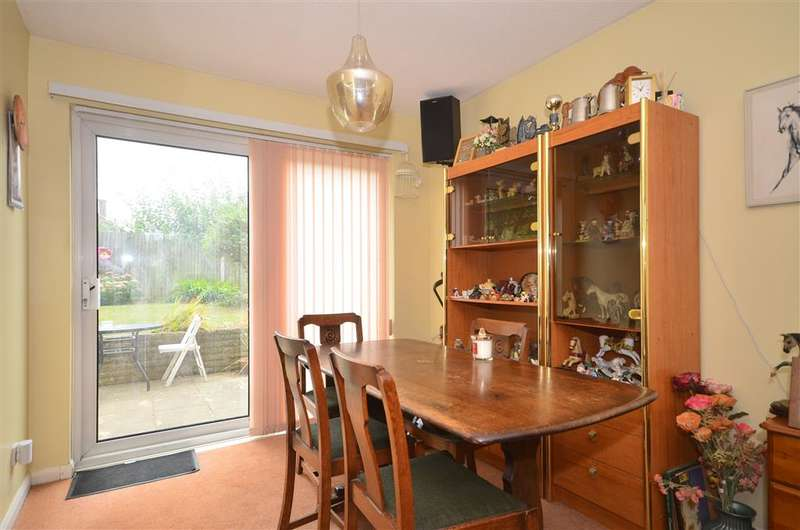 3 Bedrooms Semi Detached House for sale in Bluebell Close, Horsham, West Sussex