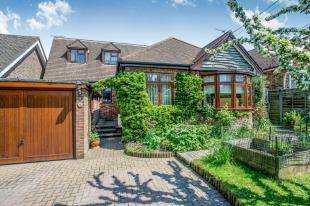 4 Bedrooms Bungalow for sale in Sutherland Avenue, Biggin Hill, Kent