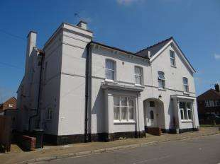 2 Bedrooms Maisonette Flat for sale in Victoria Road, Canterbury