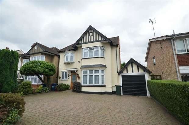 5 Bedrooms Detached House for sale in Flower Lane, Mill Hill