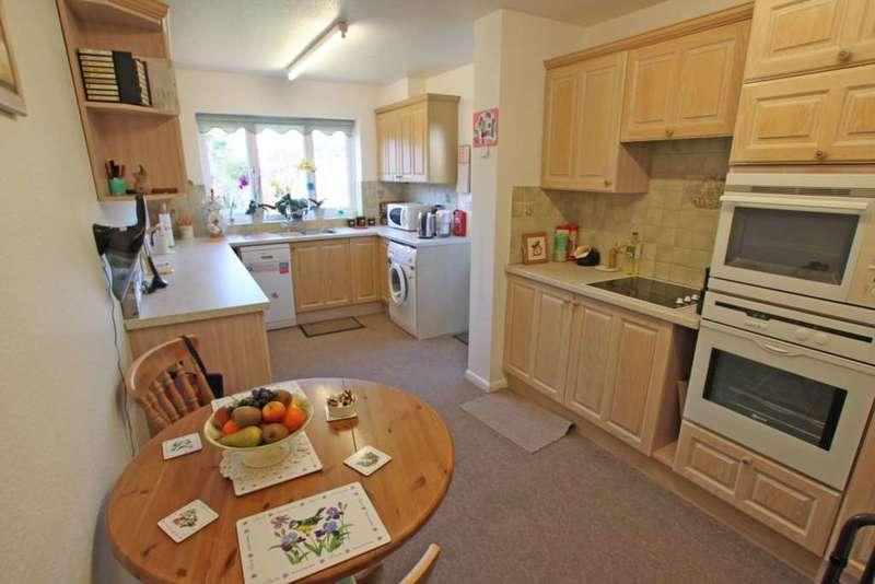 4 Bedrooms Detached Bungalow for sale in Bessels Way, Blewbury