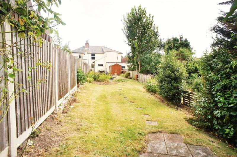 2 Bedrooms Terraced House for sale in Church Road, Brightlingsea