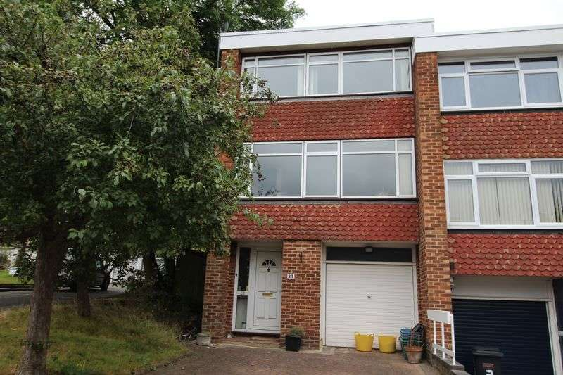 3 Bedrooms Terraced House for sale in White Lodge, Upper Norwood, London SE19