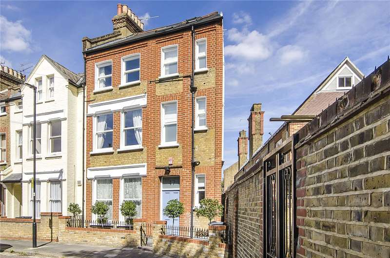 3 Bedrooms Semi Detached House for sale in Kenwyn Road, London, SW4