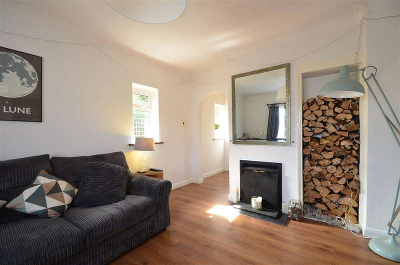 2 Bedrooms Semi Detached Bungalow for sale in Manhood Lane, Sidlesham, Chichester, West Sussex