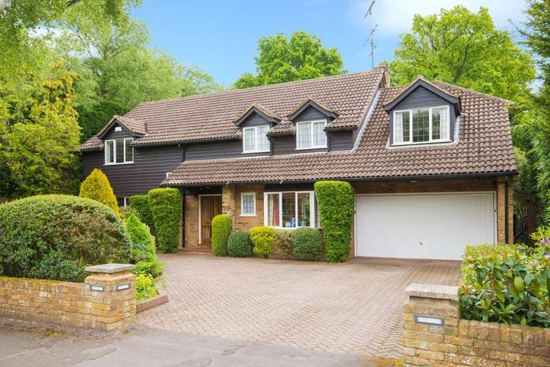 5 Bedrooms Detached House for sale in Howards Thicket, Gerrards Cross, SL9