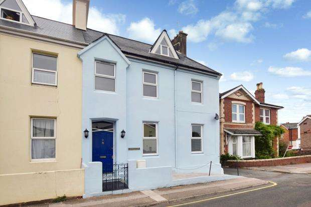 6 Bedrooms End Of Terrace House for sale in New Street, Paignton, Devon