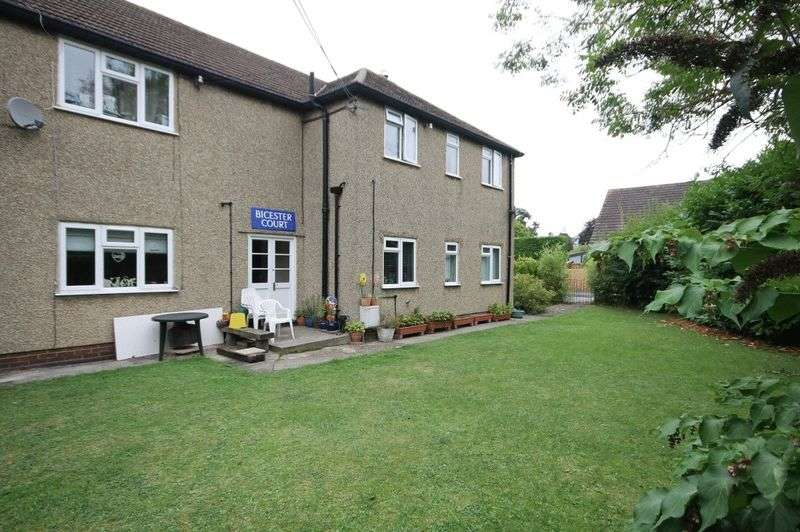 2 Bedrooms Flat for sale in KIDLINGTON